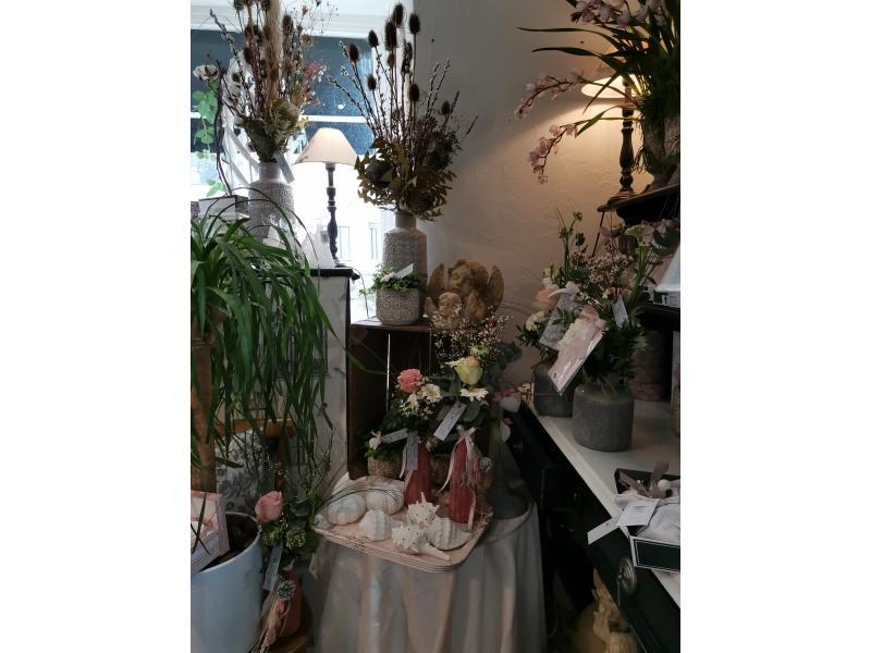 Les bouquets de fleurs séchées sont très tendance, n 'hésitez pas à demander votre couleur !