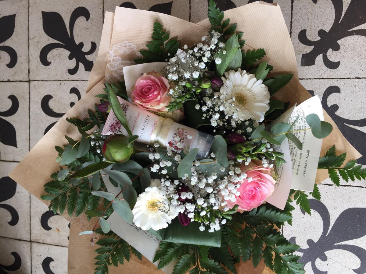 Bouquet rond pastel + crème pour les mains